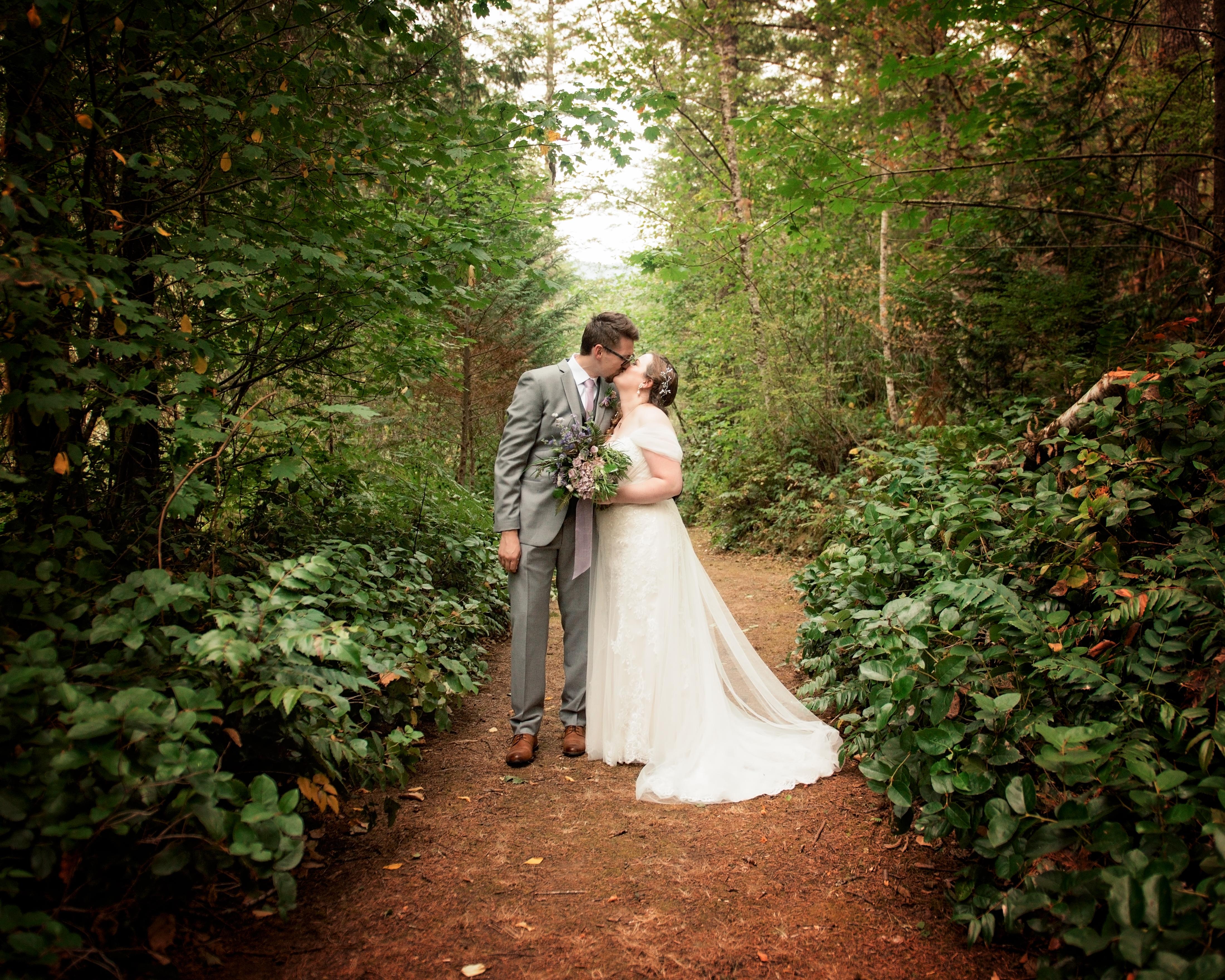 Vancouver Wa Wedding Photographer Sunset Falls Wedding With Mariessa And Sean